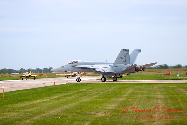 525 - Friday Practice at the Quad City Air Show - Davenport Municipal Airport - Davenport Iowa - August 31st