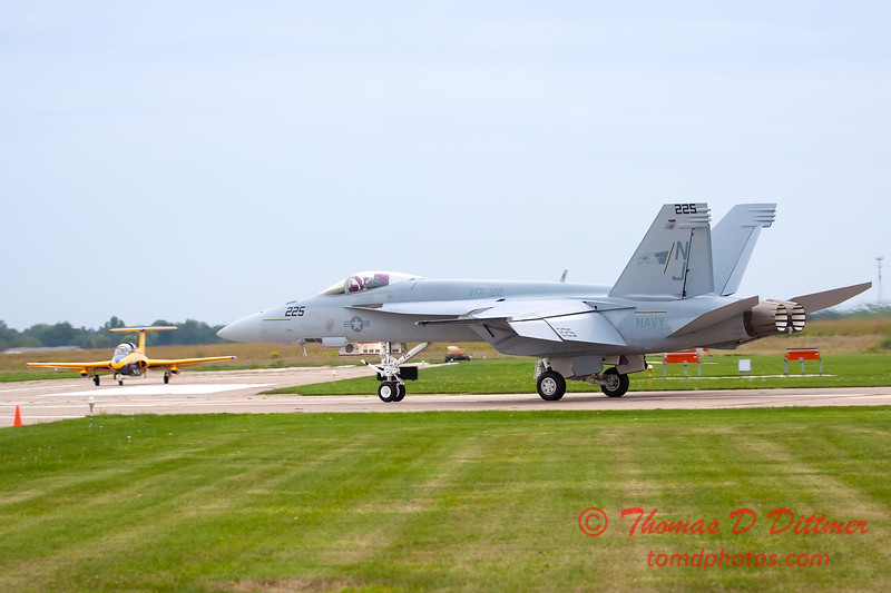 524 - Friday Practice at the Quad City Air Show - Davenport Municipal Airport - Davenport Iowa - August 31st