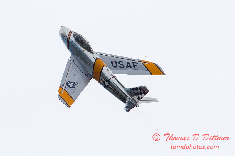 320 - Friday Practice at the Quad City Air Show - Davenport Municipal Airport - Davenport Iowa - August 31st