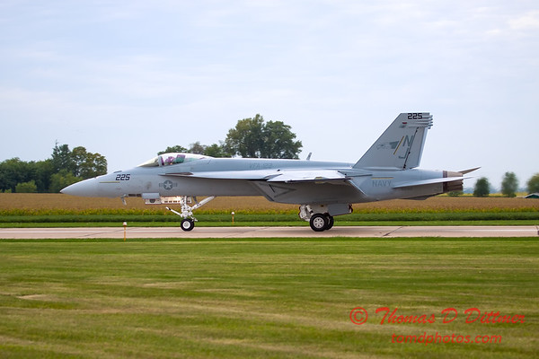 521 - Friday Practice at the Quad City Air Show - Davenport Municipal Airport - Davenport Iowa - August 31st