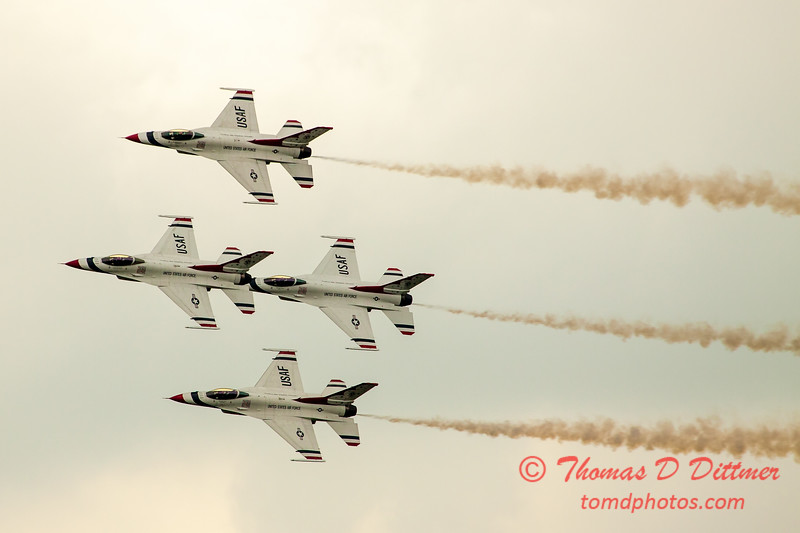 2735 - Sunday at the Quad City Air Show - Davenport Municipal Airport - Davenport Iowa - September 2nd