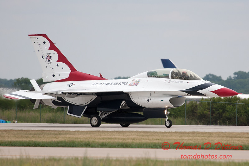 1211 - US Air Force Thunderbirds return to earth after their Sunday performance in F16 Fighting Falcons at the 2012 Rockford Airfest - Chicago Rockford International Airport - Rockford Illinois - Sunday June 3rd 2012