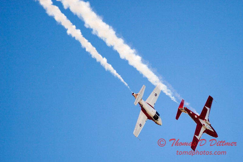 1678 - The RCAF Snowbirds performance at Wings over Waukegan 2012