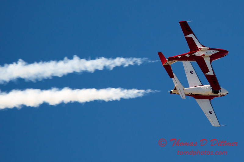 1672 - The RCAF Snowbirds performance at Wings over Waukegan 2012