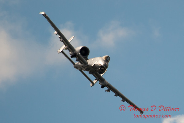 812 - A-10 East flies by Wings over Waukegan 2012