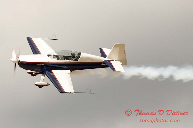 601 - Michael Vaknin in his Extra 300 perform at Wings over Waukegan 2012