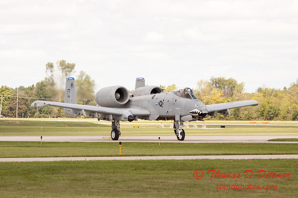 847 - A-10 East arrives at Wings over Waukegan 2012