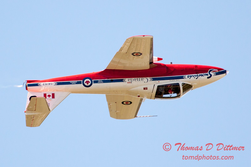 1494 - The RCAF Snowbirds performance at Wings over Waukegan 2012