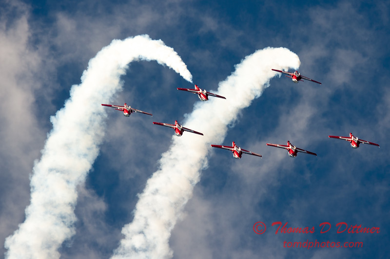 1649 - The RCAF Snowbirds performance at Wings over Waukegan 2012