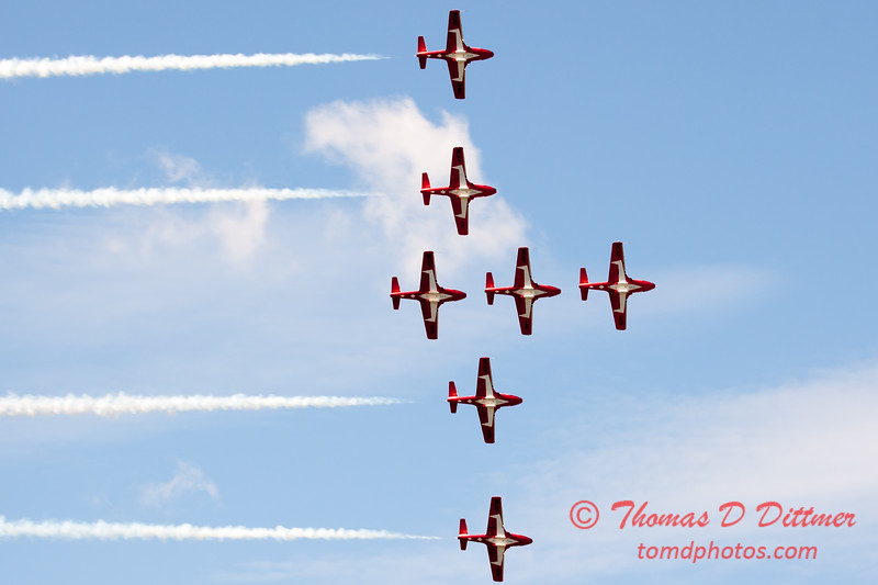 1711 - The RCAF Snowbirds performance at Wings over Waukegan 2012