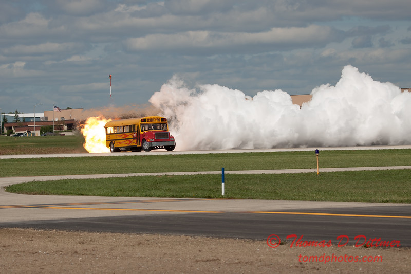 878 - Paul Stender and the Indy Boys School bus ignites the crowd at Wings over Waukegan 2012