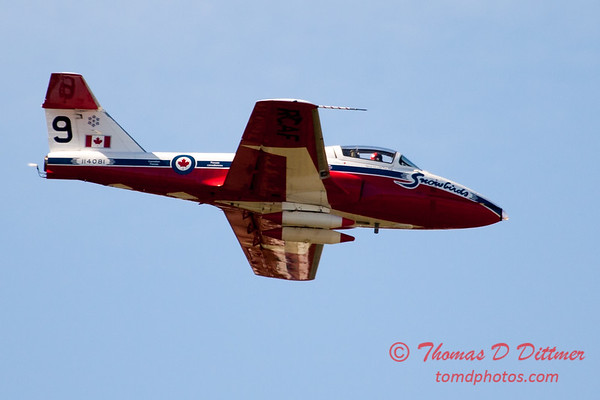 1525 - The RCAF Snowbirds performance at Wings over Waukegan 2012
