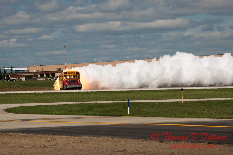 877 - Paul Stender and the Indy Boys School bus ignites the crowd at Wings over Waukegan 2012