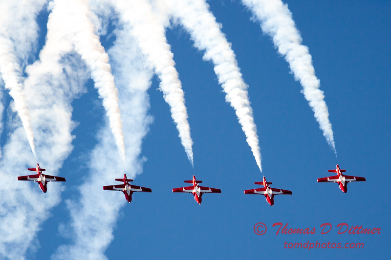 1465 - The RCAF Snowbirds performance at Wings over Waukegan 2012
