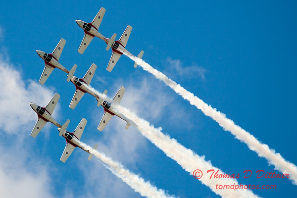 1540 - The RCAF Snowbirds performance at Wings over Waukegan 2012