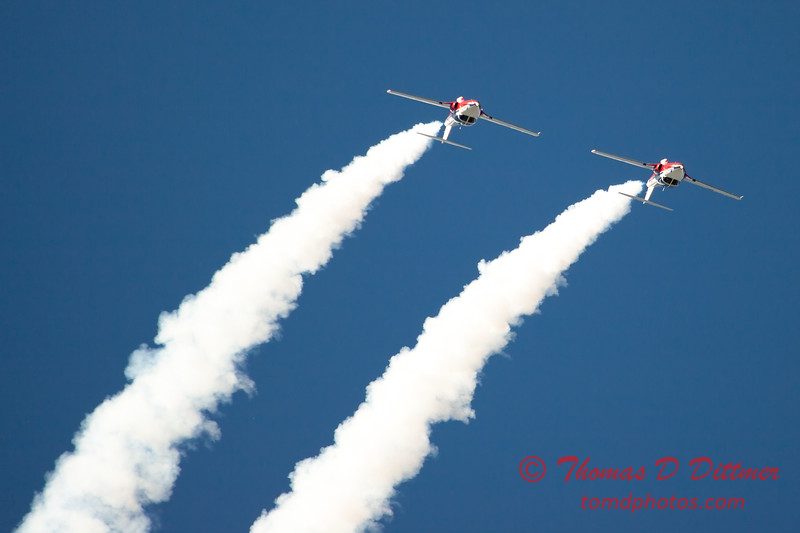 1615 - The RCAF Snowbirds performance at Wings over Waukegan 2012