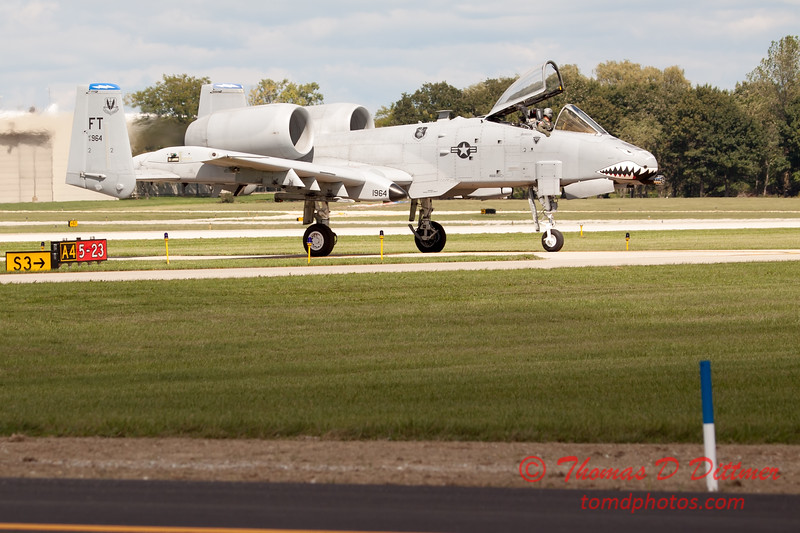 854 - A-10 East arrives at Wings over Waukegan 2012