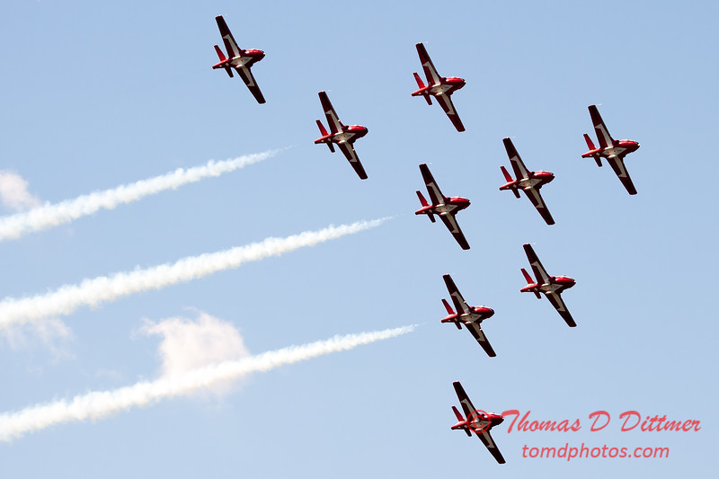 1396 - The RCAF Snowbirds performance at Wings over Waukegan 2012