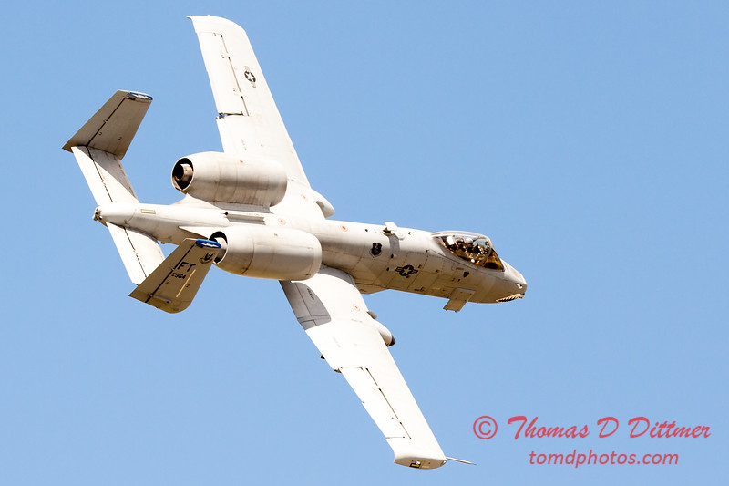 710 - A-10 East performs at Wings over Waukegan 2012