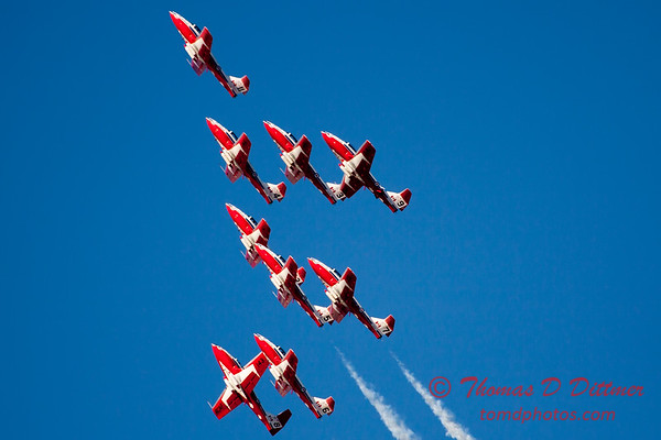 1410 - The RCAF Snowbirds performance at Wings over Waukegan 2012