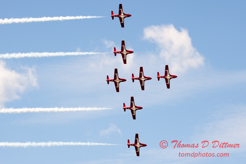 1710 - The RCAF Snowbirds performance at Wings over Waukegan 2012