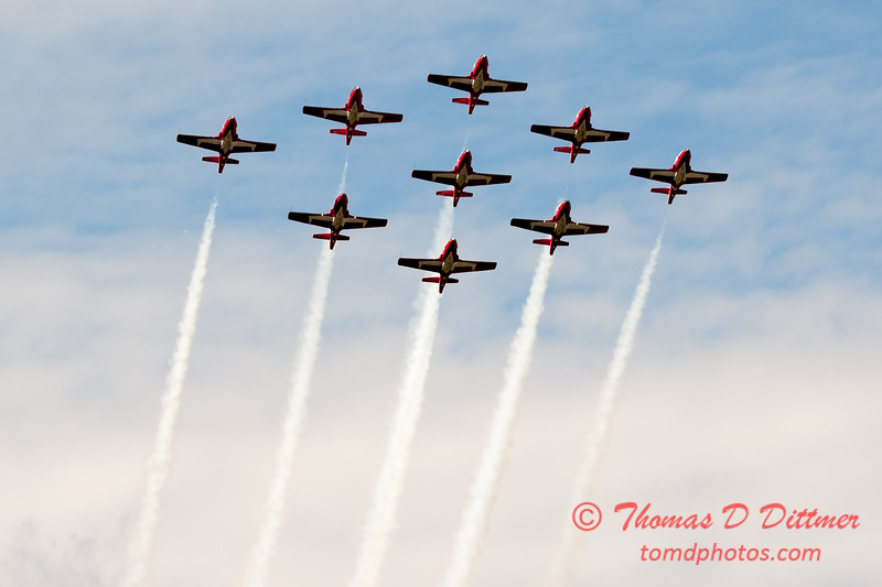 1737 - The RCAF Snowbirds performance at Wings over Waukegan 2012