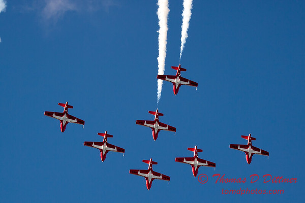 1652 - The RCAF Snowbirds performance at Wings over Waukegan 2012