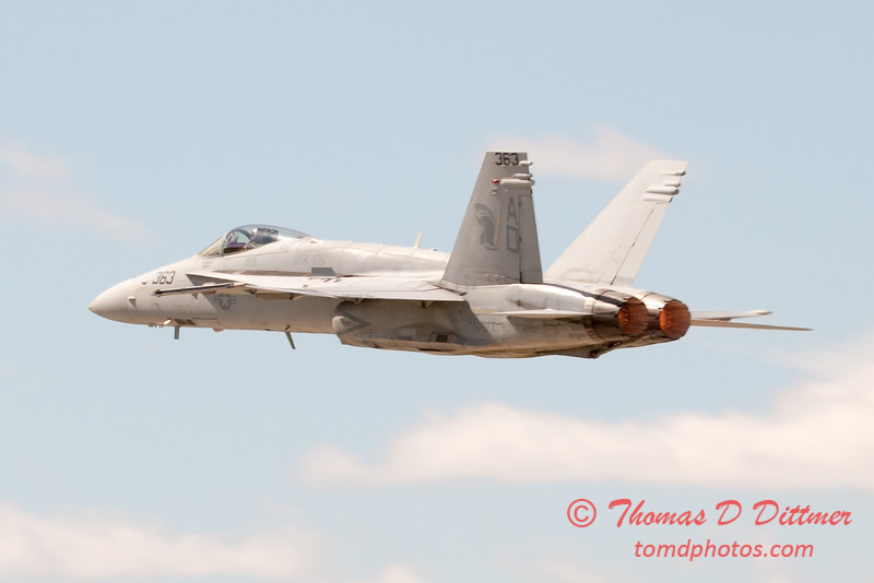 1110 - VFA 106 Hornet East F/A-18 performing at Wings over Waukegan 2012