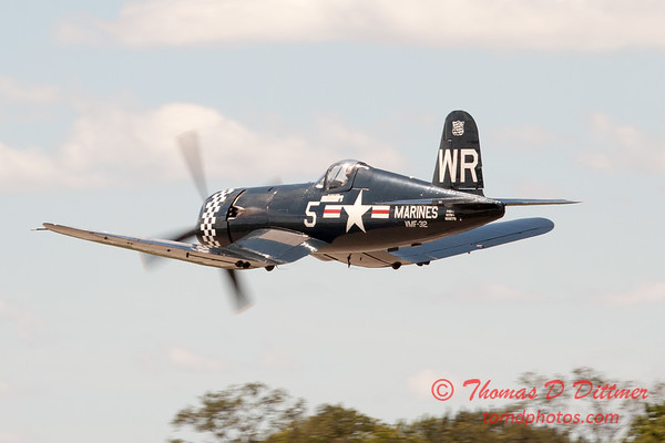 1101 - F4U Corsair departs Wings over Waukegan 2012