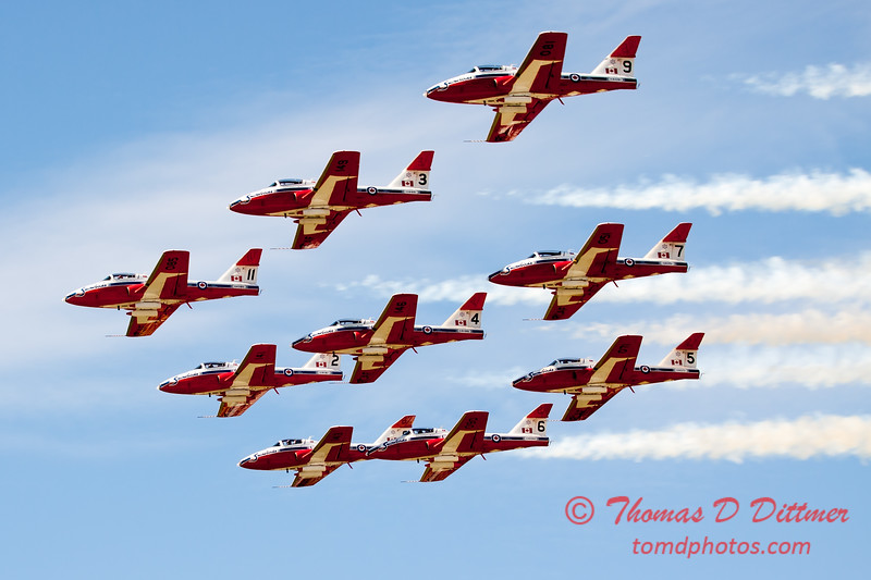 1785 - The RCAF Snowbirds performance at Wings over Waukegan 2012