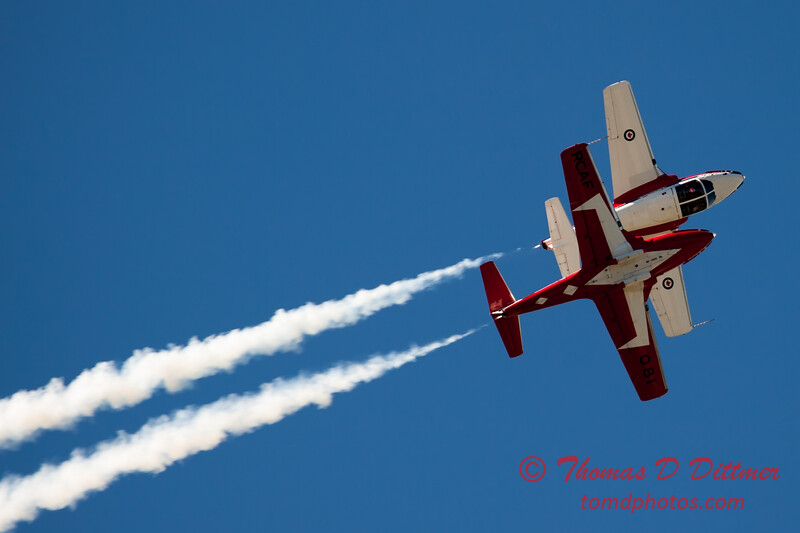 1668 - The RCAF Snowbirds performance at Wings over Waukegan 2012