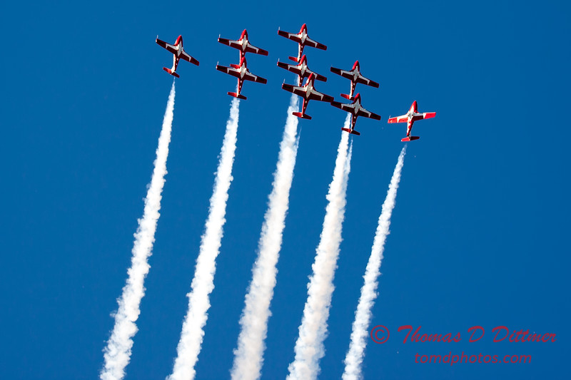 1749 - The RCAF Snowbirds performance at Wings over Waukegan 2012