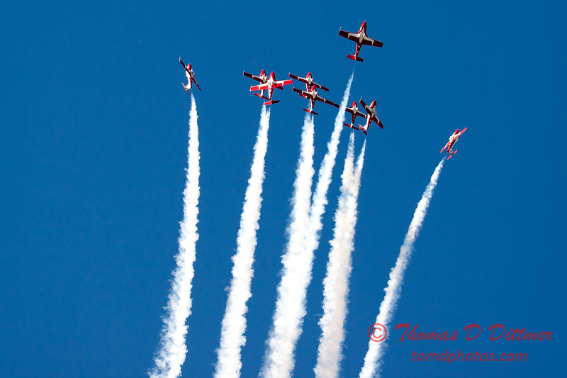 1751 - The RCAF Snowbirds performance at Wings over Waukegan 2012