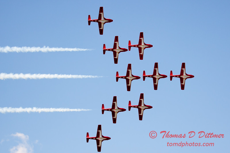 1398 - The RCAF Snowbirds performance at Wings over Waukegan 2012
