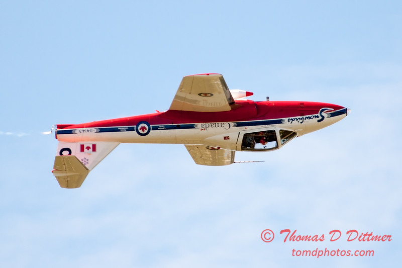 1490 - The RCAF Snowbirds performance at Wings over Waukegan 2012