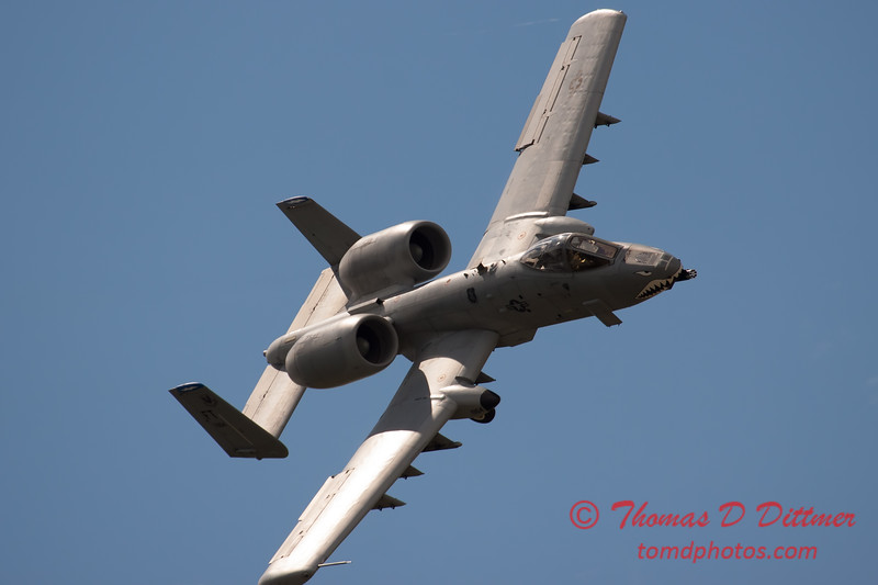 706 - A-10 East performs at Wings over Waukegan 2012