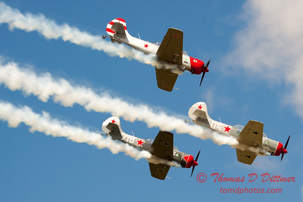 314 - Team Aerostar in Yakovlev Yak-52's perform at Wings over Waukegan 2012