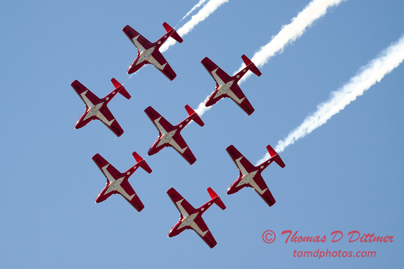 1556 - The RCAF Snowbirds performance at Wings over Waukegan 2012
