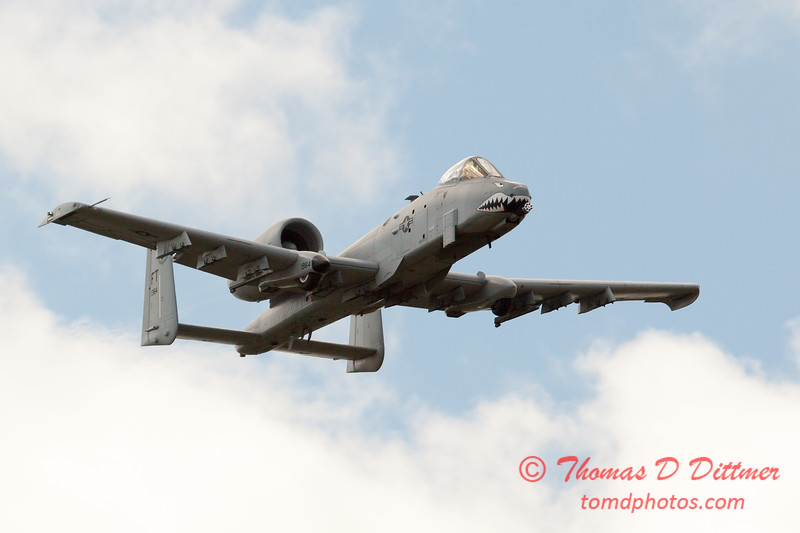 841 - A-10 East flies by Wings over Waukegan 2012