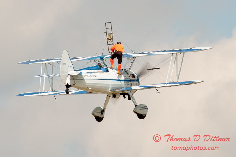 971 - Wingwalker Tony Kazian and Dave Dacy perform at Wings over Waukegan 2012