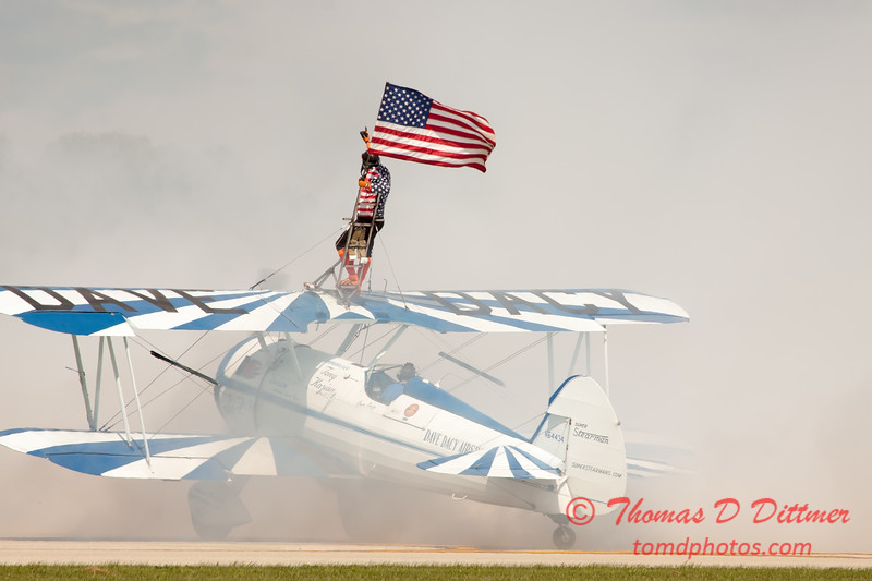 1085 - Wingwalker Tony Kazian and Dave Dacy perform at Wings over Waukegan 2012