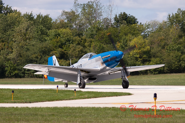 937 - Vlado Lenoch and his P-51 returns to earth at Wings over Waukegan 2012
