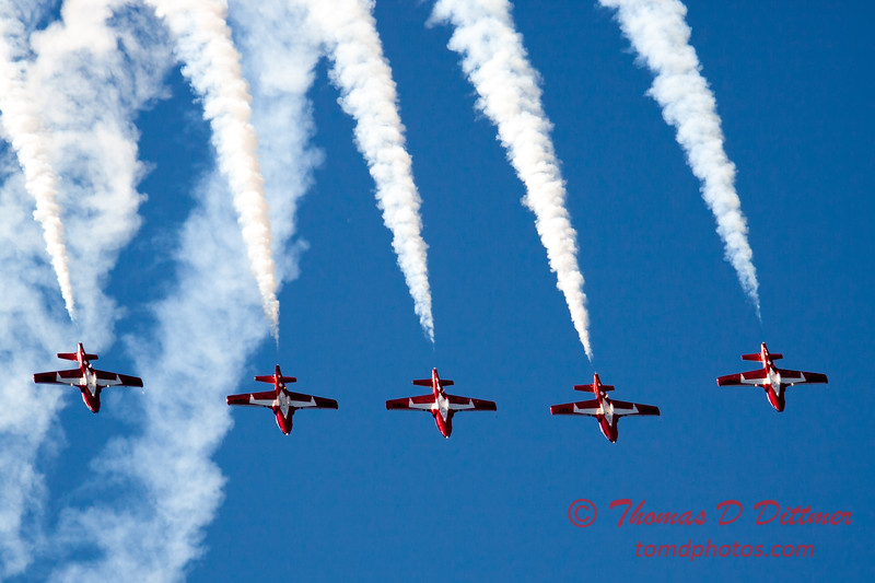1466 - The RCAF Snowbirds performance at Wings over Waukegan 2012