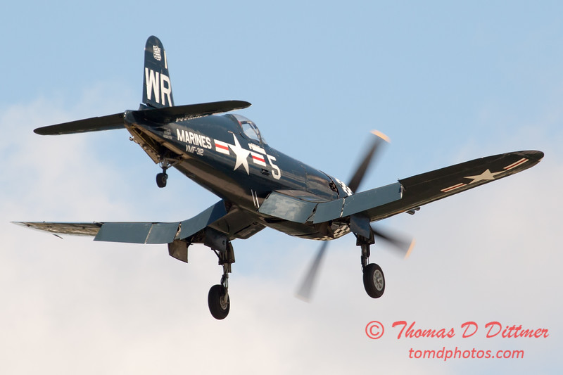 1153 - F4U Corsair performing at Wings over Waukegan 2012