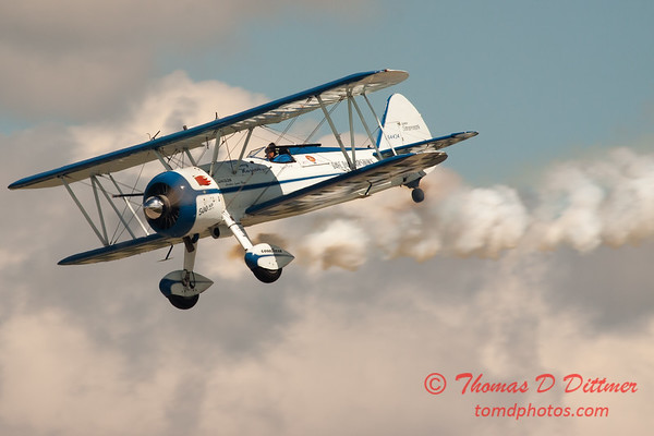 161 - Dave Dacy and his Boeing PT-17 Stearman perform at Wings over Waukegan 2012