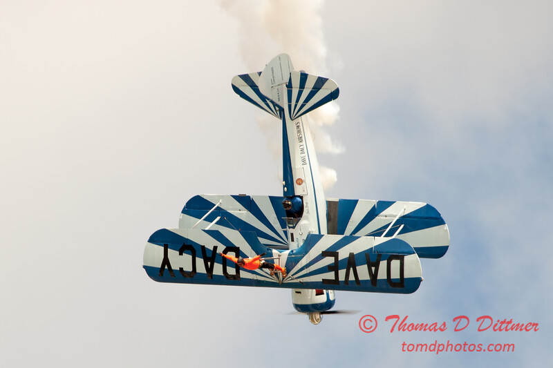 986 - Wingwalker Tony Kazian and Dave Dacy perform at Wings over Waukegan 2012