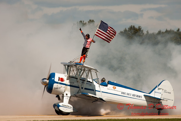 1076 - Wingwalker Tony Kazian and Dave Dacy perform at Wings over Waukegan 2012
