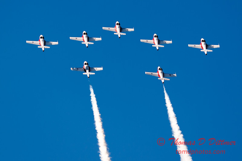 1638 - The RCAF Snowbirds performance at Wings over Waukegan 2012