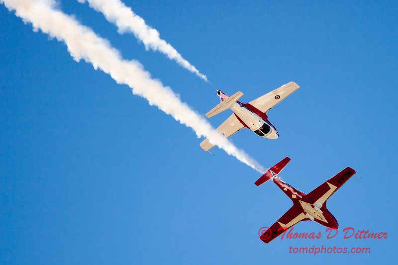 1675 - The RCAF Snowbirds performance at Wings over Waukegan 2012