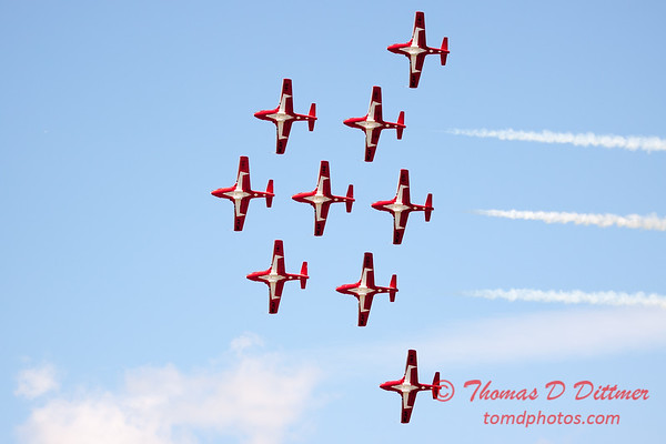 1387 - The RCAF Snowbirds performance at Wings over Waukegan 2012